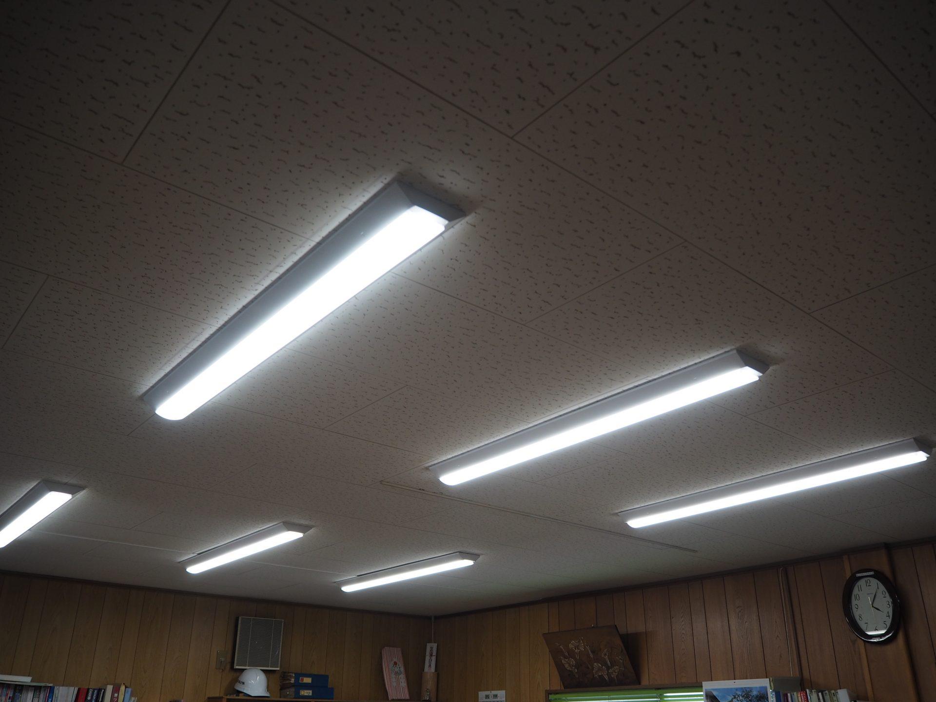 画像:E社 事務所照明器具取替工事
